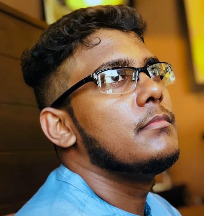 Tharaka Ranatunga is a software engineer in University of moratuwa who works on ecommerce, designing and concept development areas.